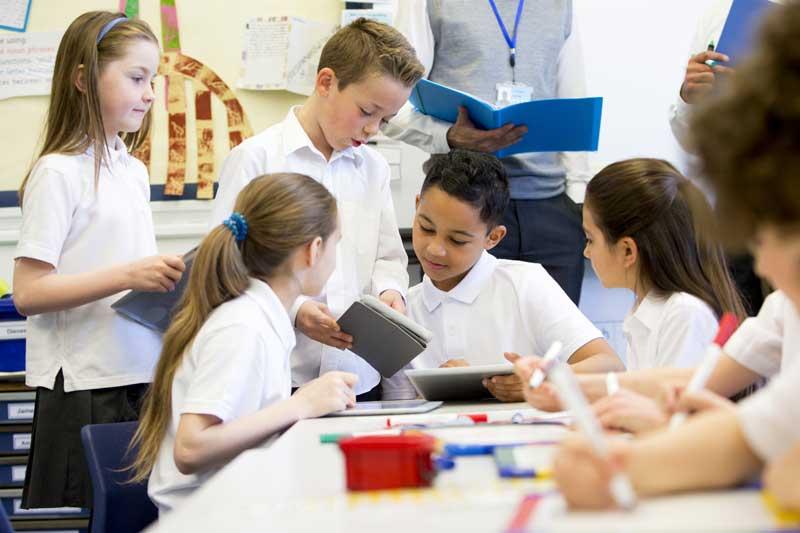 4344b5f64 Cómo guardar y planchar los uniformes del colegio